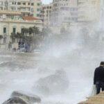 مصر.. أمطار غزيرة في الإسكندرية ومناشدات بالتزام المنازل
