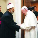 شيخ الأزهر: سعيد بالحديث مع أخى البابا فرنسيس حول مشروع الأخوة الإنسانية
