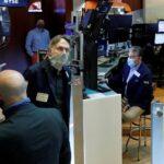 الأسهم الأمريكية تفتح مرتفعة بعد تراجع طلبات إعانة البطالة