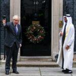 ملفات على الطاولة بين رئيس وزراء بريطانيا وولي عهد أبوظبي