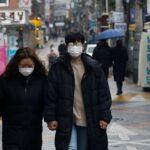 كوريا الجنوبية تستورد لقاحات كوفيد-19 لتطعيم 16 مليونا