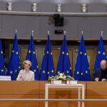 مسؤولو الاتحاد الأوروبي وقعوا الاتفاق المبرم مع بريطانيا