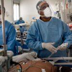 أكثر من 80 مليون إصابة و1.7 مليون وفاة بكورونا في العالم