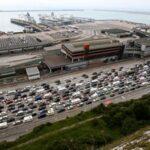 محاولات فرنسية بريطانية لإعادة فتح الحدود بعد إغلاقها بسبب انتشار كورونا