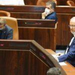 إسرائيل.. أشكنازي يعلن ترك حزب أزرق أبيض وأخذ استراحة من الحياة السياسية