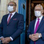 جدل في تونس بشأن حصول مسؤولين على لقاح كورونا