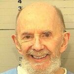 وفاة الموسيقي المخضرم فيل سبيكتور المدان بالقتل عن عمر 81 عاما