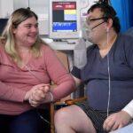 قصة حب وزواج بمستشفى عزل في بريطانيا