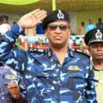 وزير الداخلية السوداني يتفقد الارتكازات وتوزيع قوات الشرطة بقطاع أم درمان