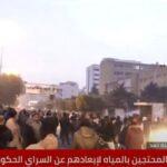 تجدد أعمال الكر والفر بين المحتجين والشرطة في طرابلس اللبنانية