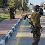 إصابة طفل فلسطيني بجروح خطيرة برصاص الاحتلال شمال الخليل