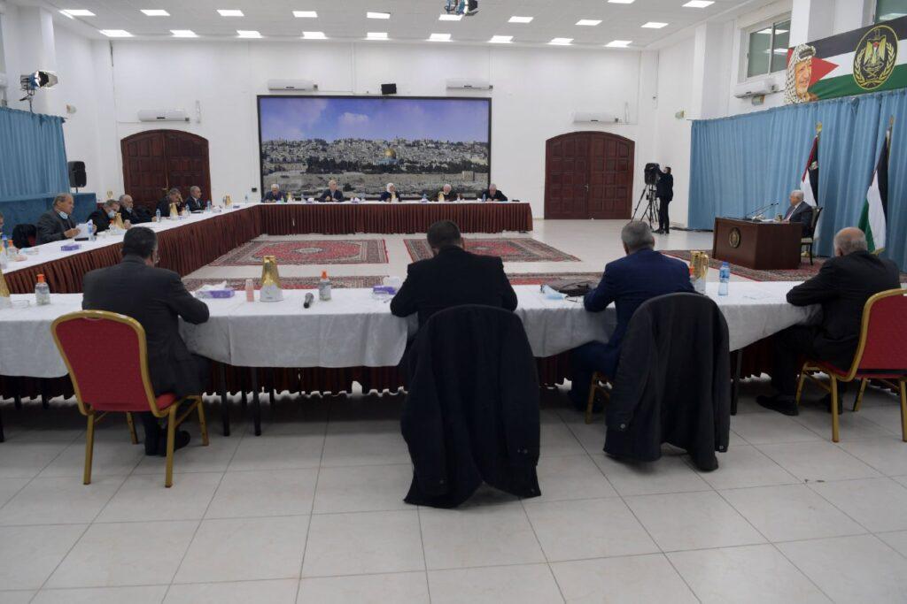 «مركزية فتح» تقرر المشاركة في جلسات الحوار المرتقبة في مصر
