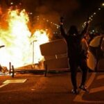 اشتباكات في برشلونة خلال احتجاجات على اعتقال مغني راب