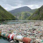 نشطاء البيئة في البوسنة يحذرون من أطنان القمامة في أنهار البلاد