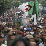 الجزائر.. الحراك الشعبي مستمر رغم تحذيرات تبون