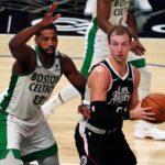 بوسطن يهزم كليبرز في دوري السلة الأمريكي