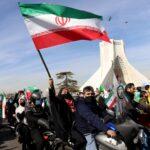 إيران تحيي ذكرى ثورة عام 1979 مع الحفاظ على التباعد الاجتماعي