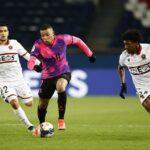 باريس سان جيرمان يهزم نيس ويتصدر الدوري قبل مواجهة برشلونة