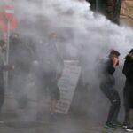 الشرطة تشتبك مع متظاهرين في قبرص