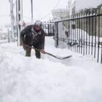 صور| أعنف موجة تساقط للثلوج تشهدها اليونان منذ 12 عاما