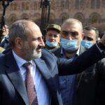 رئيس الوزراء الأرميني يتقدم مسيرة مع أنصاره: «الوضع متوتر»