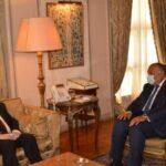 مصر تدعو إلى تشكيل حكومة كفاءات وطنية في لبنان