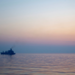 هيئة بريطانية: انفجار في سفينة بخليج عُمان