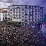 مع عودة مظاهرات الجمعة.. حراك الجزائر بين التنظيم والصراعات