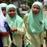 منع إجبار الفتيات على ارتداء الحجاب في مدارس إندونيسيا