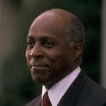 وفاة الناشط والمحامي الحقوقي الأمريكي فيرنون جوردان عن 85 عاما