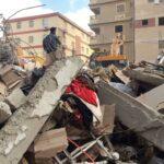 ارتفاع حصيلة قتلى انهيار مبنى شرق القاهرة إلى 25 شخصا