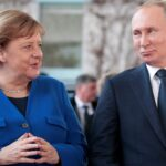 ميركل تطالب بوتين بسحب القوات الروسية من منطقة قرب الحدود الأوكرانية
