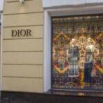 «ديور» تقيم عرض أزياء «كروز 2022» في يونيو المقبل بأثينا