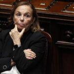 وزيرة الداخلية الإيطالية تزور طرابلس لبحث ملف الهجرة والأمن