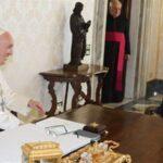 الحريري من الفاتيكان: المشكلة في لبنان سياسية وليست طائفية
