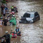 مقتل أكثر من 70 شخصا جراء الفيضانات في إندونيسيا وتيمور الشرقية