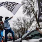 استقالة قائد شرطة منيابوليس وشرطية قتلت رجلا أسود بالخطأ بالولايات المتحدة