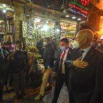 مصريون يرحبون بالرئيس التونسي ويلتقطون صورا تذكارية معه