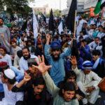 باكستان تنشر قوات الأمن لفض احتجاجات دموية للإسلاميين