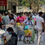 فوضى بمستشفيات الهند مع تخطي إصابات كورونا اليومية 200 ألف