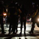 احتجاج كاليفورنيا ينتهي بعد اشتعال الحرائق وإتلاف السيارات