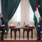 الرئيس عباس يبحث مع وزير الخارجية الأردني التطورات في المنطقة