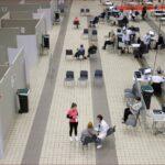 تراجع عدد مرضى كورونا بالمستشفيات في فرنسا