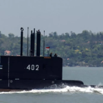 الجيش الإندونيسي يؤكد غرق غواصة فقدت وعلى متنها العشرات