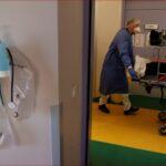 استمرار ارتفاع عدد مرضى كورونا في الرعاية المركزة بفرنسا