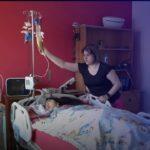 لبنانية تلجأ إلي الطاقة الشمسية لإنقاذ ابنتها الصغيرة