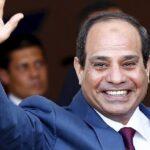 الرئيس المصري يتفقد أكبر قافلة إنسانية لرعاية مليون أسرة