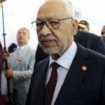 الجيش التونسي يمنع الغنوشي من دخول مبنى البرلمان