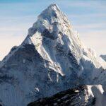 الصين تفتح المنحدر الشمالي لجبل إيفرست أمام المتسلقين