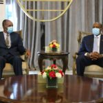 الرئيس الإريتري أسياس أفورقي يصل السودان لبحث أزمة سد النهضة
